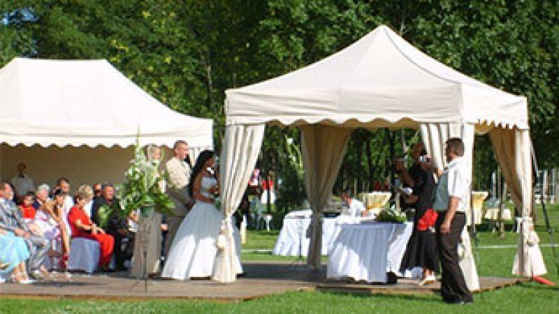 Svadobné stany
